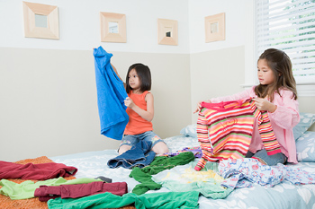 Homeschooling as Single Mom - laundry-girls